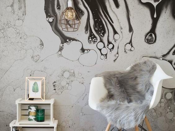 رنگ کردن غیر یک دست دیوار اتاق خواب