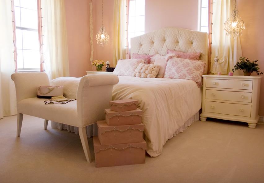 مدل تاج بالای تخت