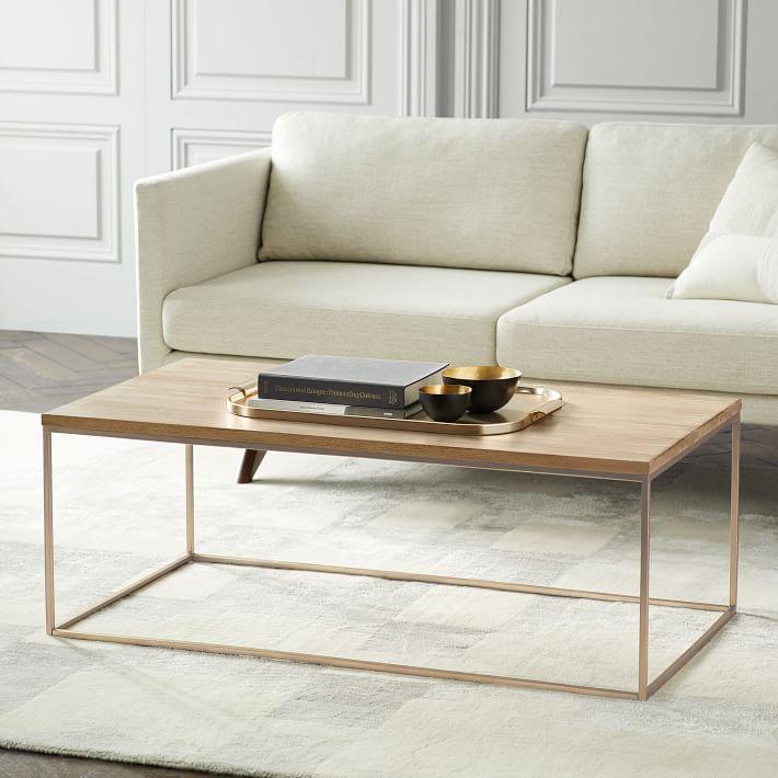 تزیین میز جلو مبلی چوبی