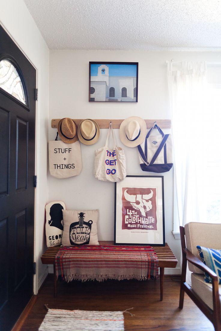 رخت آویز ورودی خانه